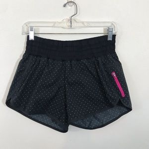 Lululemon Tracker Short ll Black White Polka Dot